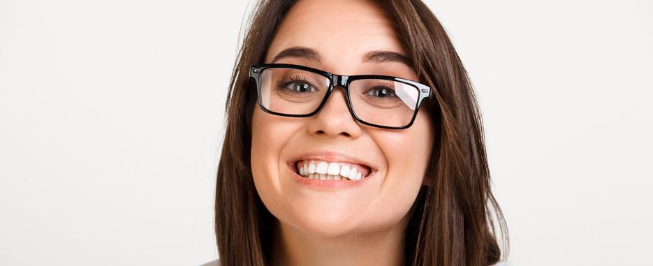 como solucionar las manchas en los dientes